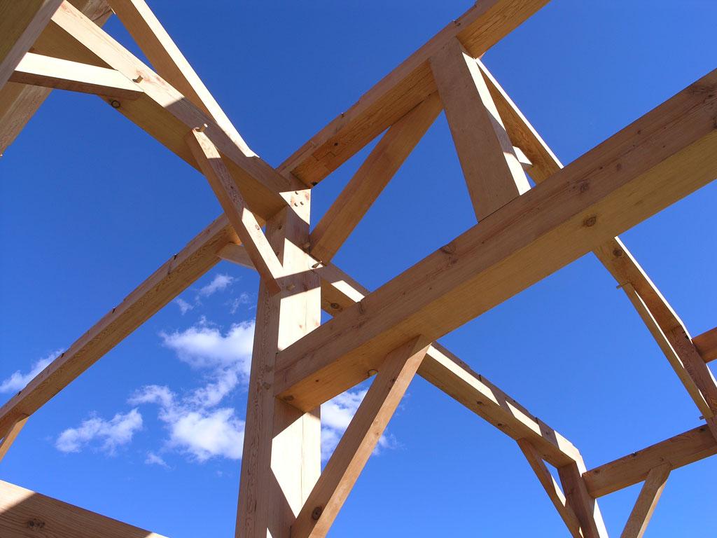 Build House Lake Holiday